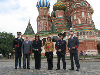 Soyuz TMA-19 - The Soyuz TMA-19 prime and backup crews conduct their ceremonial tour of Red Square on May 31, 2010.