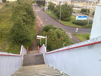 Stanlow and Thornton railway station - The steps lead down to the refinery site