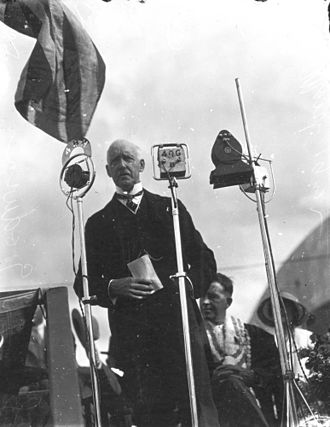 William Jolly Bridge - Governor John Goodwin speaking at the opening of the bridge, 1932