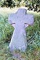 Steinkreuz in Kirchgandern neben Steinaltar mit Kruzifix.jpg
