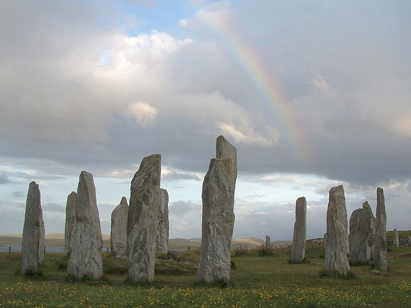File:Stones at Callanish.jpg