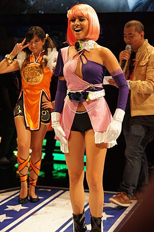 Alisa Bosconovitch - Michelle Ballee as Alisa at E3 2012, alongside Ling Xiaoyu