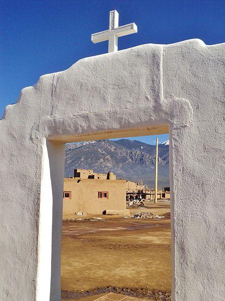 File:Taos Pueblo (4) (15783816790).jpg