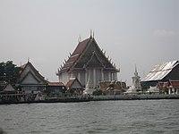 Temple in Bangkok.jpg