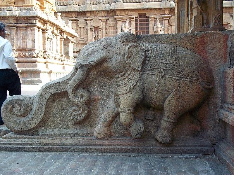 File:Thanjavur Brihadishvara Temple Elephant statue 1.jpg