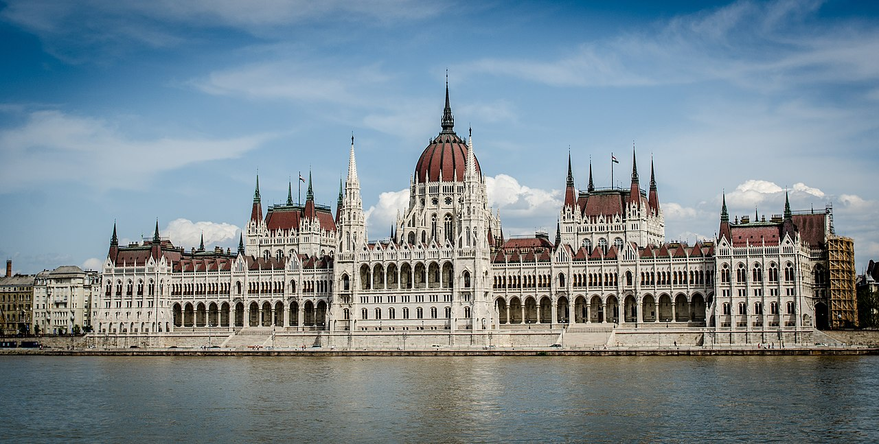 1280px-The_building_of_the_Hungarian_Parliament_(10890208584).jpg