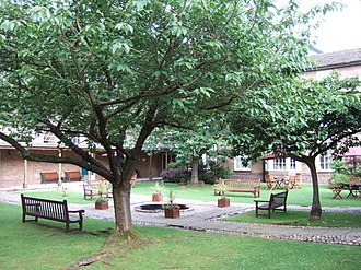 Unitarian College, Manchester - Courtyard of Luther King House