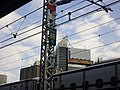 Tokaido Shinkansen overhead wiring airsection end point mark.jpg