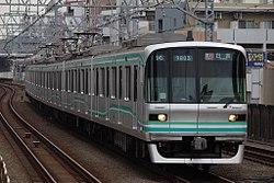 Tokyo Metro 9000 series 9103 20170422.jpg