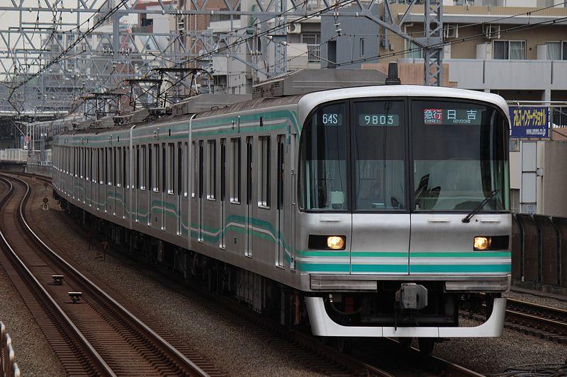 File:Tokyo Metro 9000 series 9103 20170422.jpg