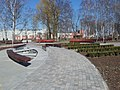 Tomaszów Mazowiecki, wejście do nowego Parku Bulwary nad rzeką Wolbórką - zrewitalizowaną w 2019 roku przestrzenią miejską. PL, EU, CC0.jpg