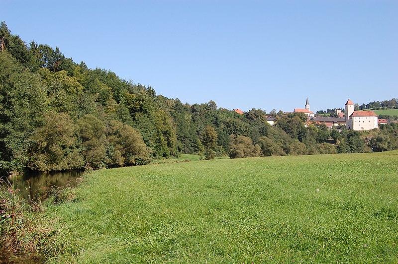 File:Trausnitz im Tal01.JPG