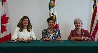 Rona Ambrose - Ambrose at a Trilateral with Mercedes Juan López and Kathleen Sebelius in 2014