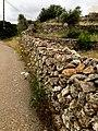 Trockenmauerwerk auf Ibiza.jpg