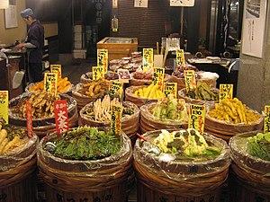 Kyoto: Tsukemono shop by Gavin Anderson in Nishiki Ichiba, Kyoto