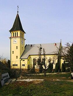 b5c9da5283d7 Kostel svatého Cyrila a Metoděje je dominantou obce