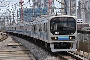 Rinkai Line - Image: Twr 70 000 20120407 nakaurawastation