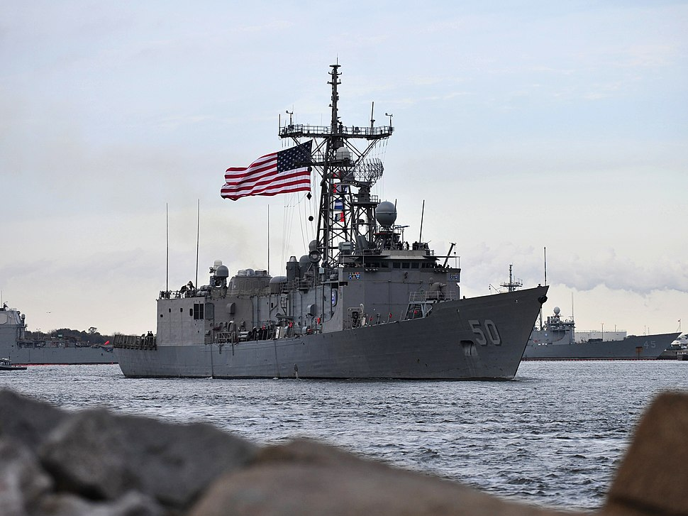 USS Taylor (FFG-50) leaving Mayport in January 2014