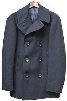 Il caban è tradizionalmente una giacca doppiopetto.