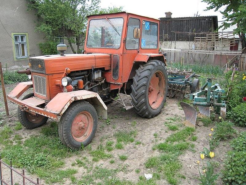 File:UTB tractor Suceava 2.jpg