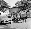 Ulica Tomása Garrigue Masaryka, balra az ulica Jána Amosa Komenského torkolata. Fortepan 53766.jpg
