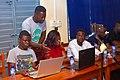 Un formateur Wikipédia au Bénin en séance pratique.jpg