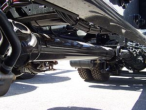 Drive shaft - A truck two section propeller shaft