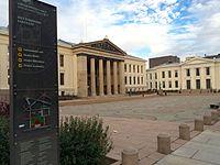 Universitetsplassen Johans gate Oslo 2015-09-30 sign.jpg