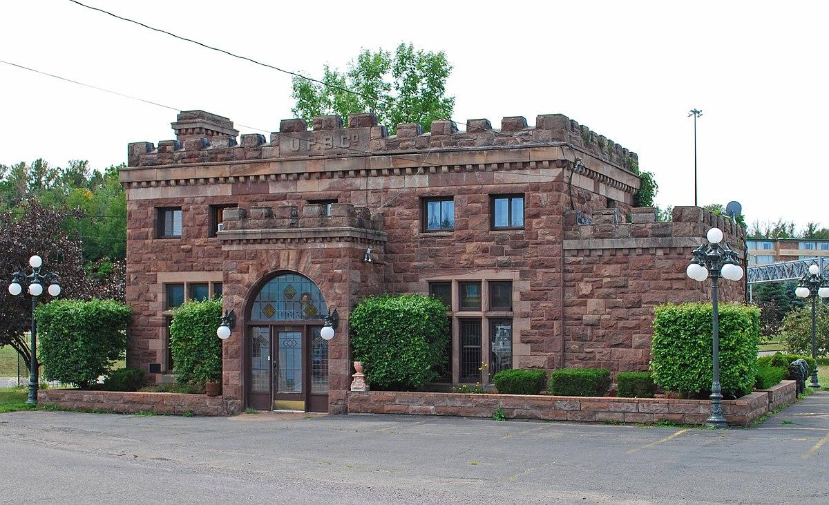 Upper peninsula brewing company building wikipedia for Home building companies in michigan