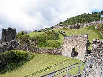 Urquhart Castle south.jpg