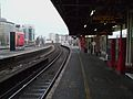 Vauxhall mainline stn platform 7 look east2.JPG