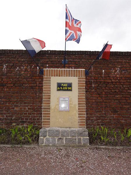 Vendeuil (Aisne) mémorial place du 18 juin 1940