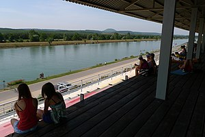 Veslarsky kanal Racice 01a.JPG