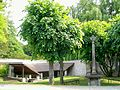 Vineuil-Saint-Firmin (60), calvaire et lavoir de Saint-Firmin.jpg
