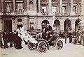 Voiture décorée pour la Mi-Carême 1903 à Paris.jpg