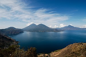 English: lake Atitlan, Guatemala. From right t...