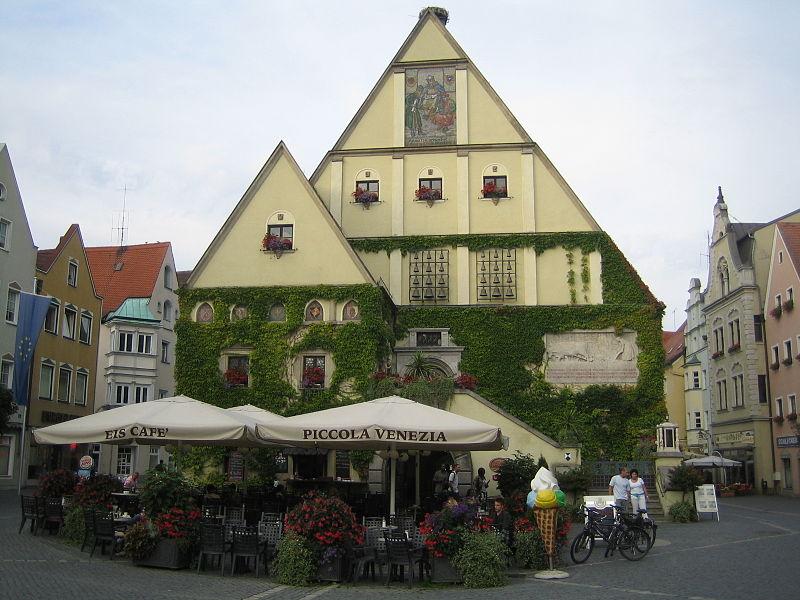 File:Weiden i.d.OPf. Oberer Markt 1 Rathaus Denis Apel 3.JPG