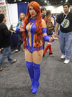 WonderCon 2012 - Starfire from Teen Titans (7019136731).jpg