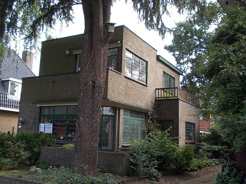 Woonhuis in zakelijk expressionistische stijl in winschoten monument - Expressionistische architectuur ...