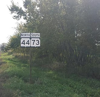 Wisconsin Highway 73 - A wrong-way concurrency of WIS 44/WIS 73, just west of Manchester; actual direction of travel is east.