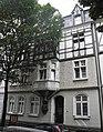 Wuppertal, Erlenstr. 11, Schrägsicht von rechts.jpg