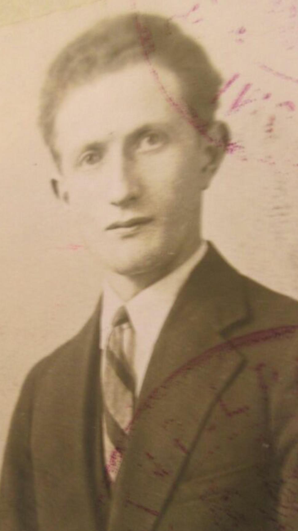 Yisrael Kristal 1931.png