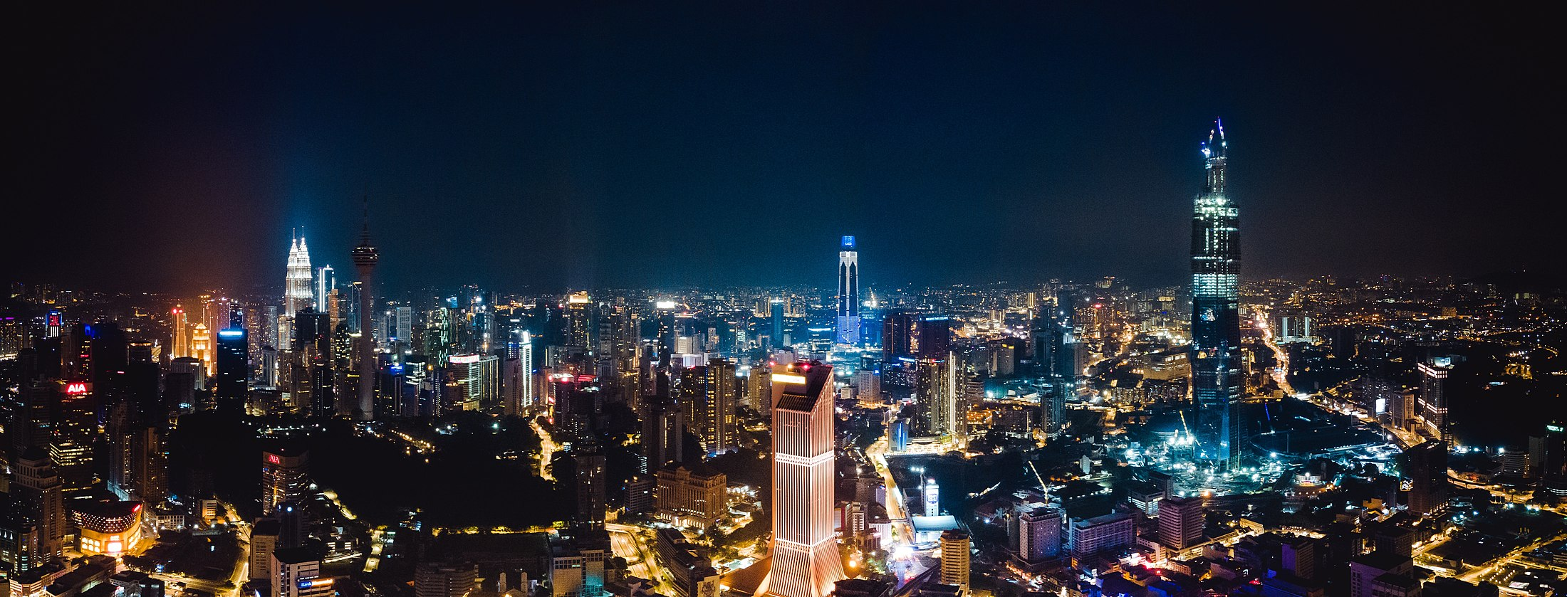 Panorama view of Kuala Lumpur at night time Yong-chuan-tan-vpbsTcS-YtM-unsplash.jpg