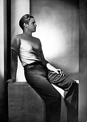 Yva Fashion Photo Modell Jantzen c1932.jpg