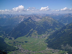 Pohled na tyrolská údolí z vrcholu zugspitze