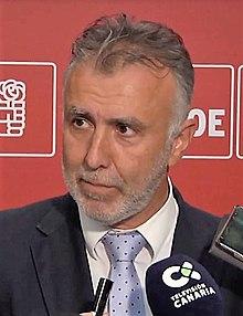 Ángel Víctor Torres.jpg