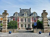 Épône - Mairie01.jpg