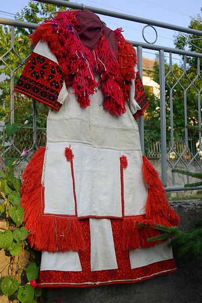 File:Мариовска носија.jpg