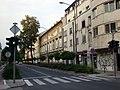 Улица с жилыми домами (39174506920).jpg