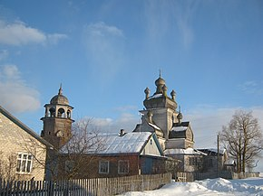 Церковь и колокольня в деревне Турчасово зимой.JPG